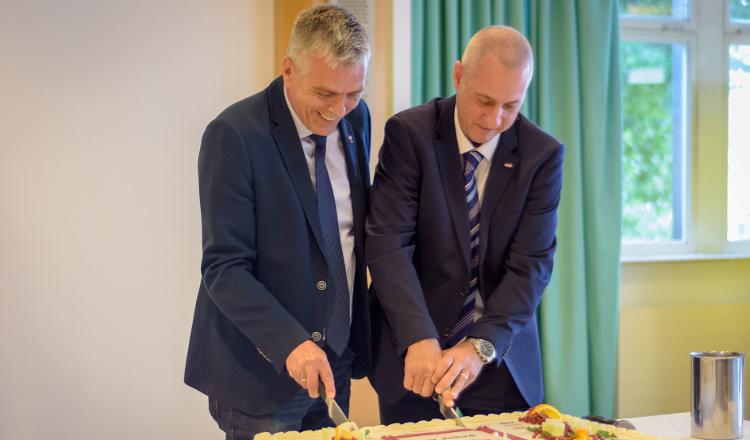 DuPont feiert 50-jähriges Bestehen in Hamm-Uentrop